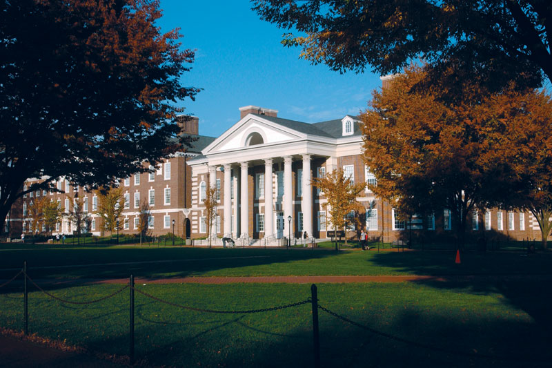 Dupont Hall on the campus of University of Delaware