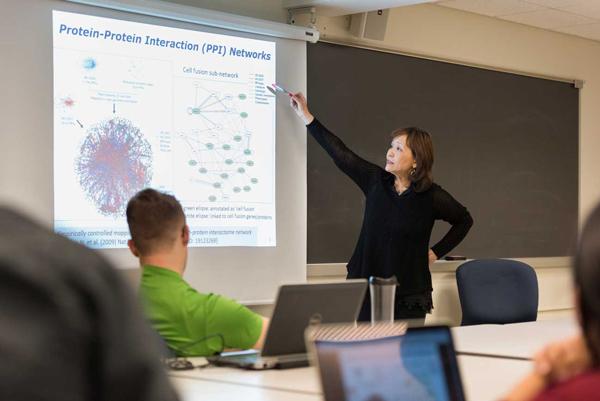Cathy Wu in classroom